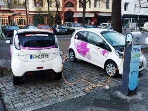 elektromobilitaet-berlin-stromtankstelle