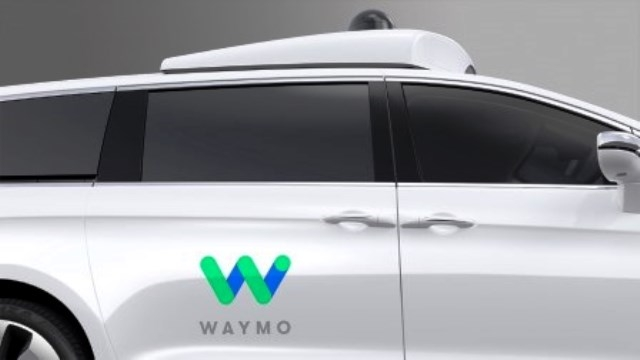 selbstfahrendes-fahrzeug-waymo