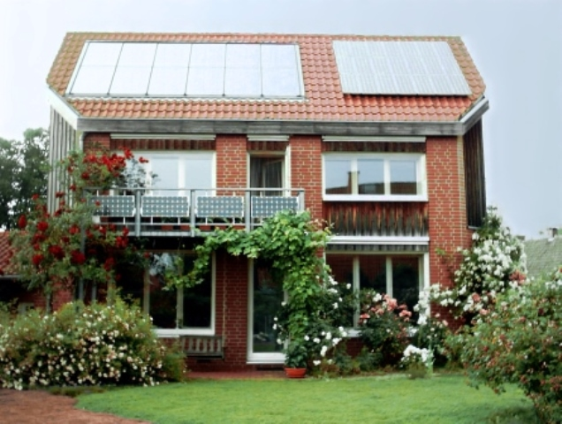 ist eine solaranlage mit stromspeicher umweltfreundlicher. Black Bedroom Furniture Sets. Home Design Ideas