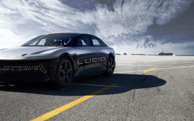 lucid air hochgeschwindigkeits stabilit tstest mit 350 km. Black Bedroom Furniture Sets. Home Design Ideas