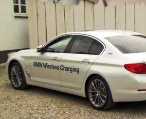 BMW 530e iPerformance mit Induktionsladung