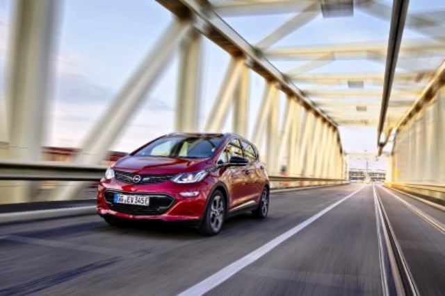 opel-ampera-laden