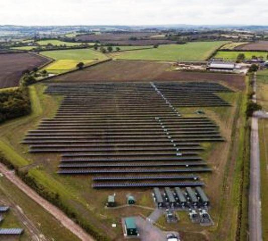 gro britannien erster solarpark ohne staatliche f rderung. Black Bedroom Furniture Sets. Home Design Ideas