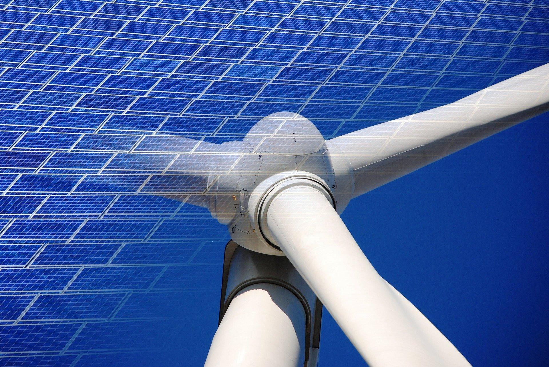 Indien-baut-einen-Solar-Wind-Megapark-mit-30-GW-von-der-Gr-e-Singapurs