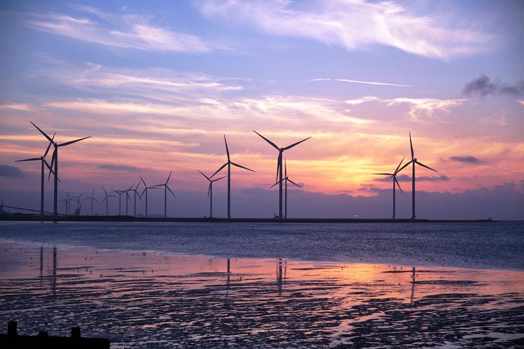 Nettostromerzeugung-2020-in-Deutschland-Erneuerbare-erreichen-erstmals-ber-50-